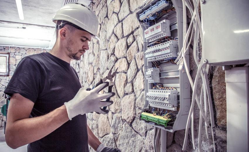 ブレーカ―増設の電気工事